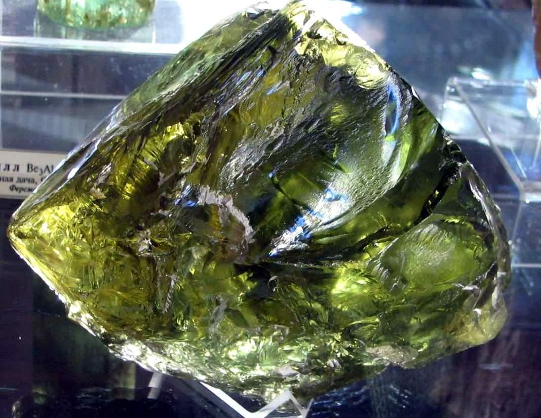 Драгоценные камни берилл фото