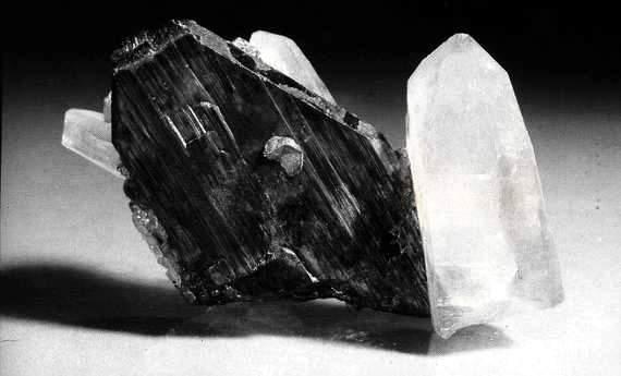 Местонахождения минералов Прибалхашья и прилегающих территорий с примерами находок.  Составил: А.А. Евсеев Внимание...