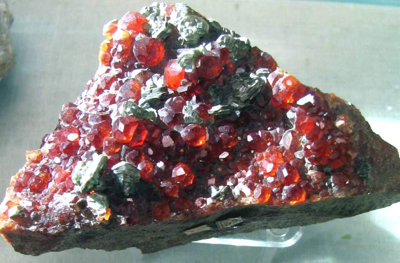 Уральские камни самоцветы фото